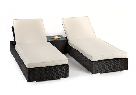 Piemonte Rattan Sun loungers with coffee table
